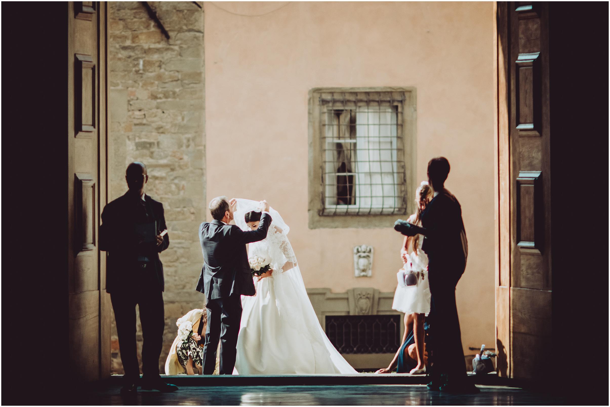 WEDDING-PHOTOGRAPHY-SARA-LORENZONI-FOTOGRAFIA-MATRIMONIO-AREZZO-TUSCANY-EVENTO-LE-SPOSE-DI-GIANNI-ELISA-LUCA015