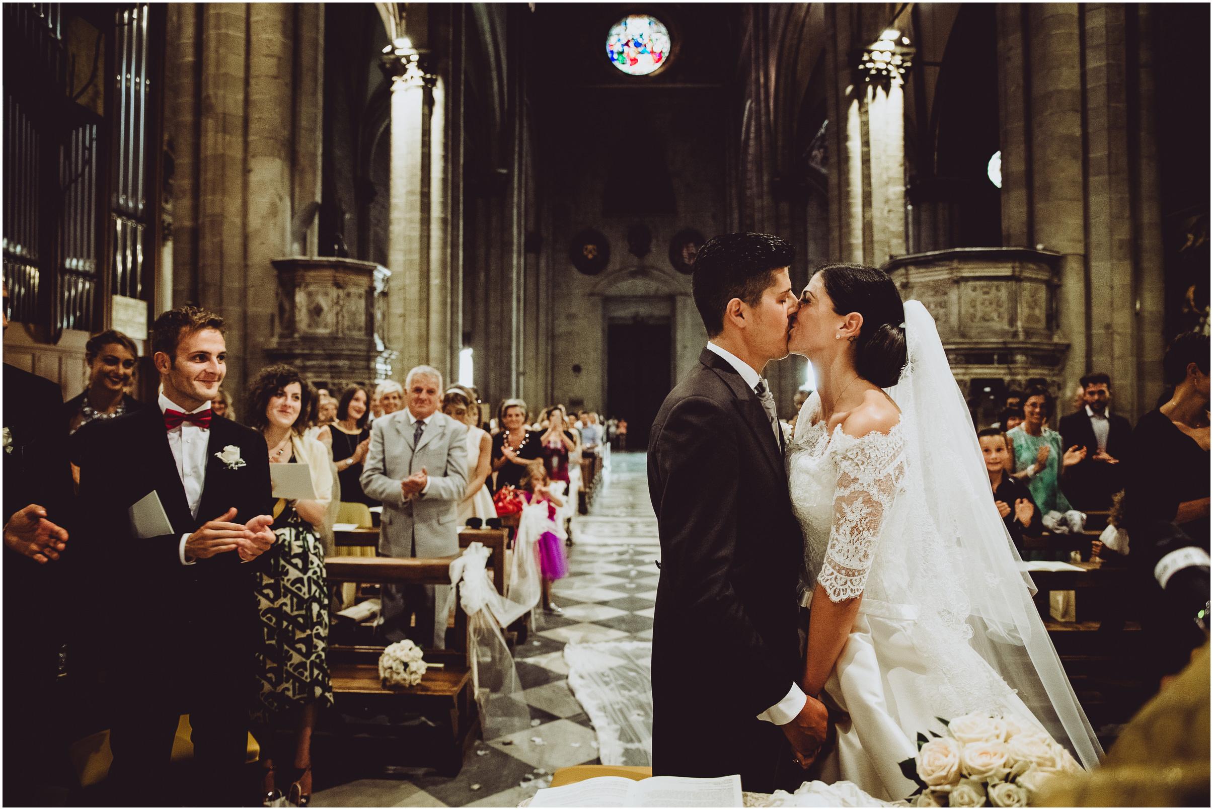 WEDDING-PHOTOGRAPHY-SARA-LORENZONI-FOTOGRAFIA-MATRIMONIO-AREZZO-TUSCANY-EVENTO-LE-SPOSE-DI-GIANNI-ELISA-LUCA023