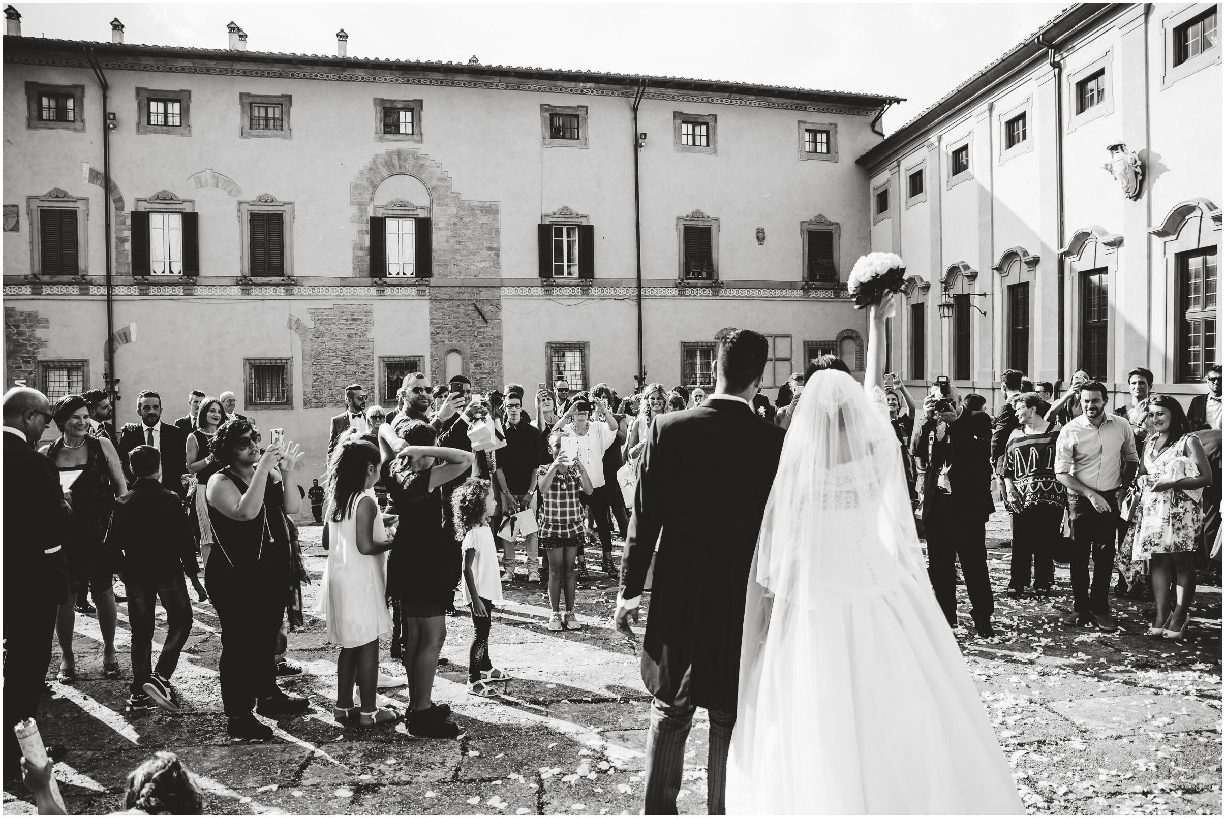 WEDDING-PHOTOGRAPHY-SARA-LORENZONI-FOTOGRAFIA-MATRIMONIO-AREZZO-TUSCANY-EVENTO-LE-SPOSE-DI-GIANNI-ELISA-LUCA028