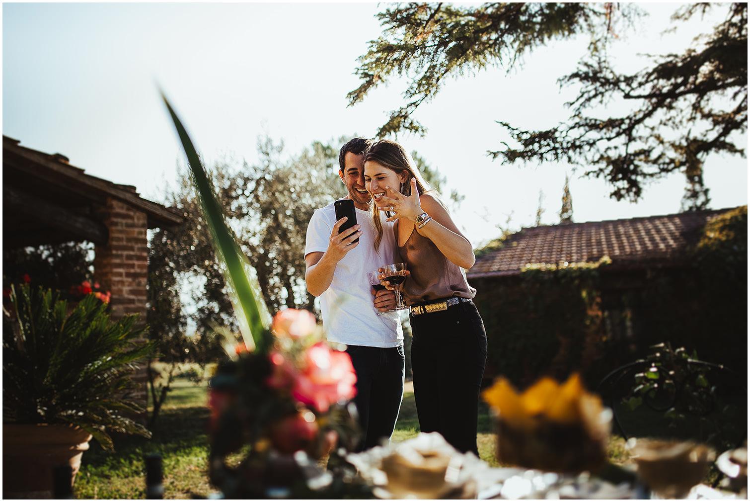 JULIE-JOSH-ENGAGEMENT-SARA-LORENZONI-FOTOGRAFIA-PHOTOGRAPHY-MONTEPULCIANO-TUSCANY19
